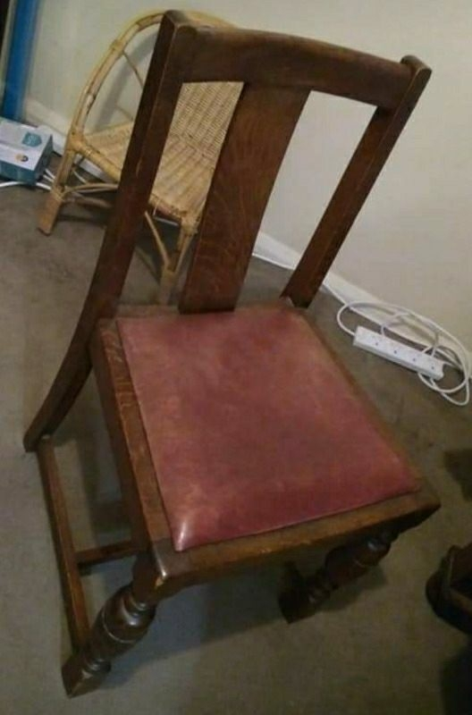 Extendable solid wood table and 4 chairs