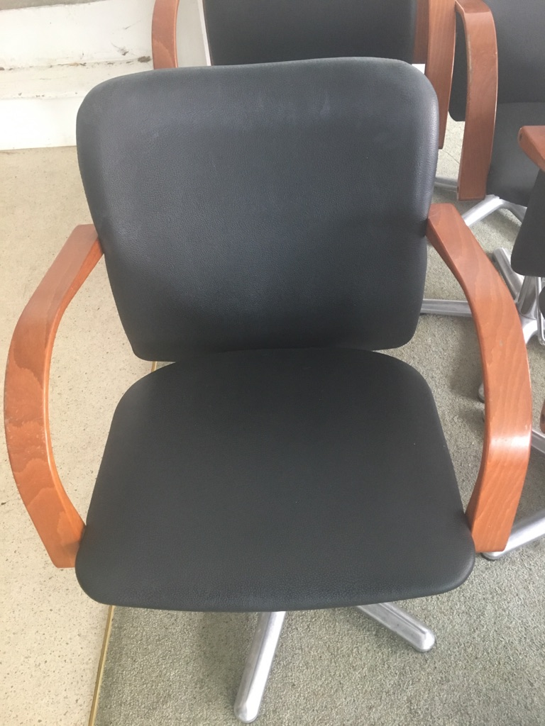 Hydraulic lift hair salon chairs