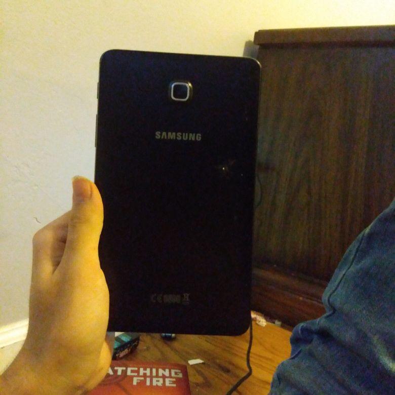 Used Samsung Galaxy S7 tablet