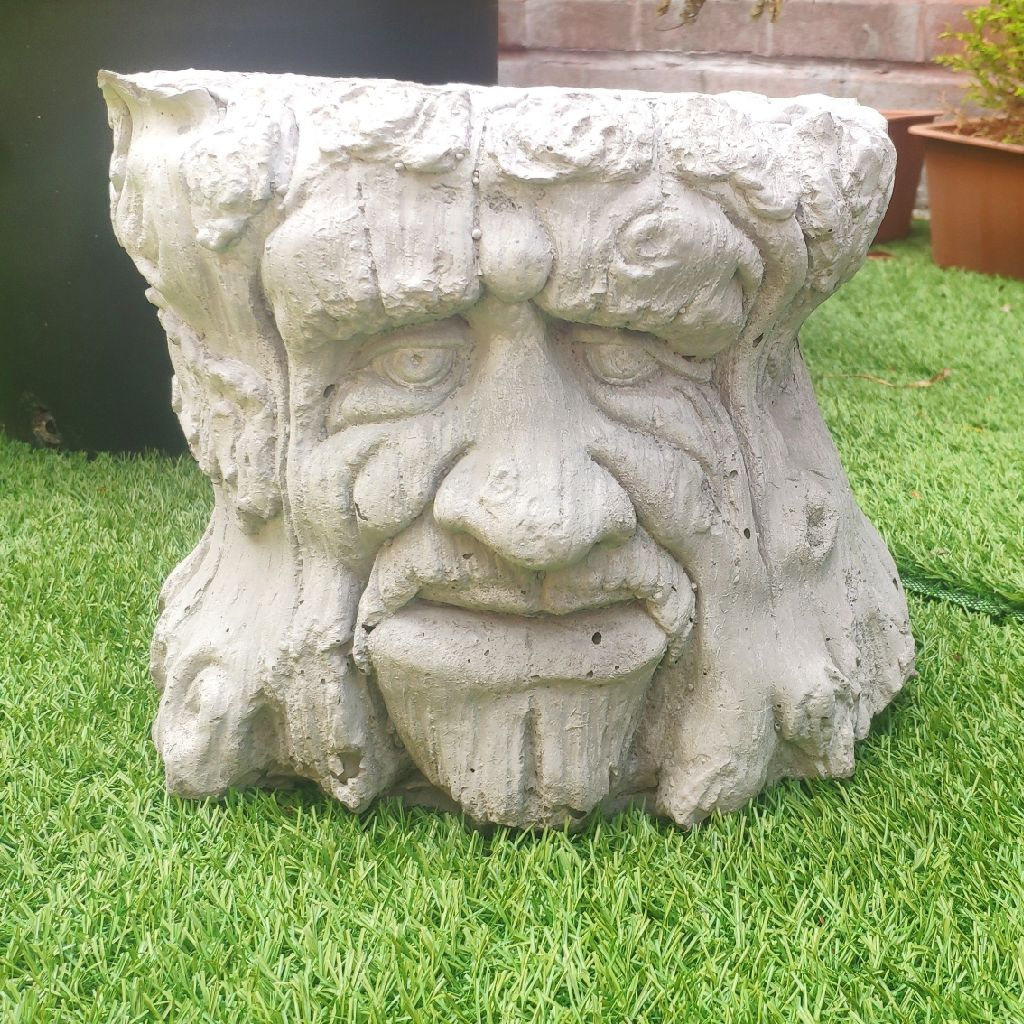Cement / stone garden ornaments, game of thrones style face injury