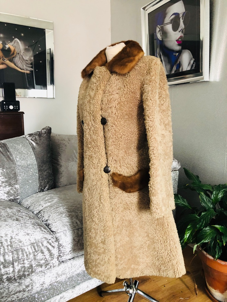 Women's brown vintage teddy camel real fur coat size M