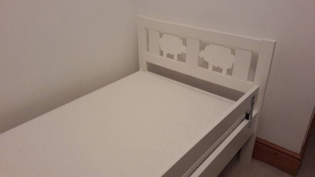 Ikea toddlers bed with mattress
