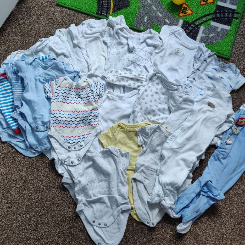 0-3 months vests and babygrows