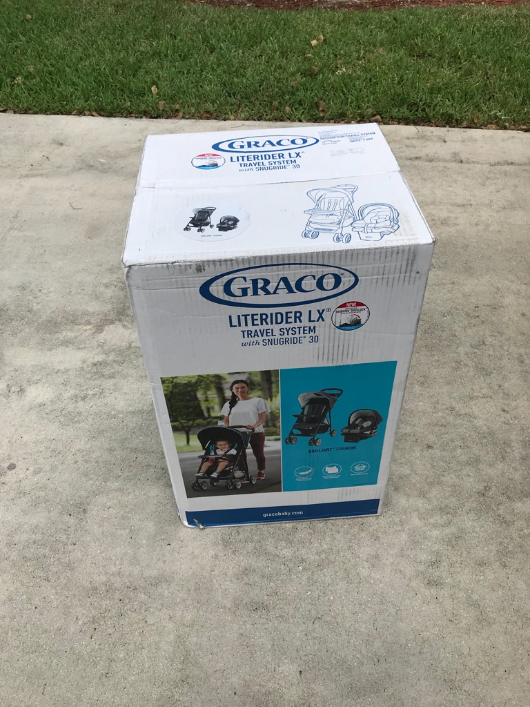 NEVER USED GRACO LR STROLLER, it stills on the Box