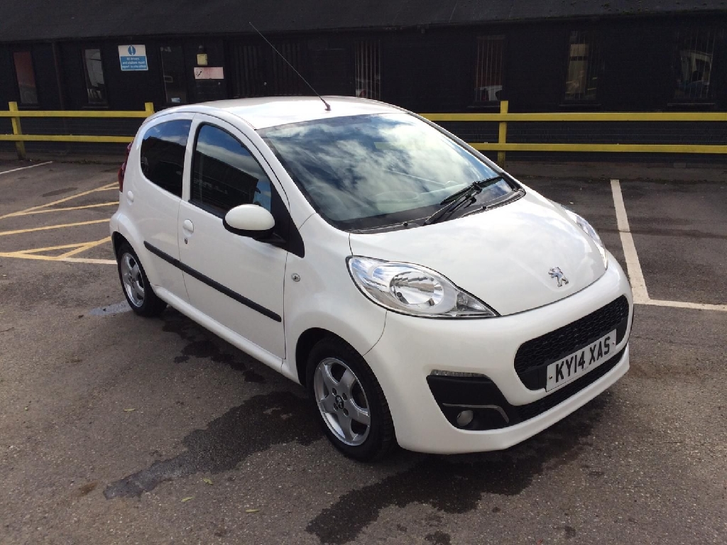 Lovely Peugeot 107 allure 5dr hatchback petrol