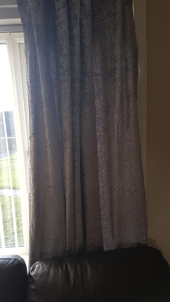 Sienna brushed velvet curtains & 4 cushions