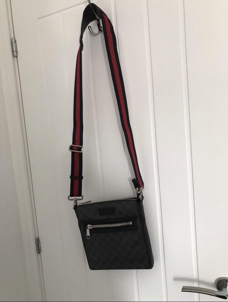 Gucci GG supreme Messenger bag (small)