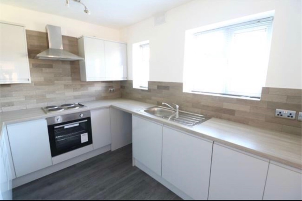 Fully Refurbished 3 Bed Family Home