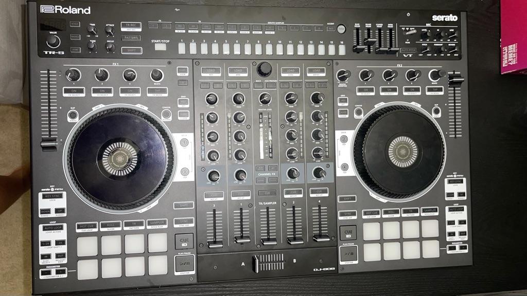 Roland DJ-808 Serato 4 Channel DJ Controller