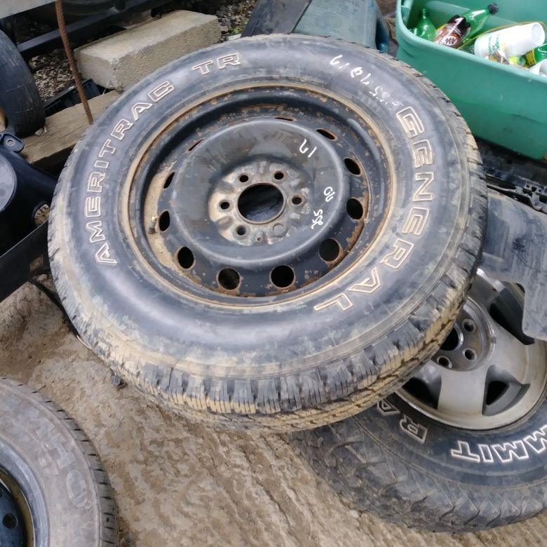 255 70 17 tire and wheel