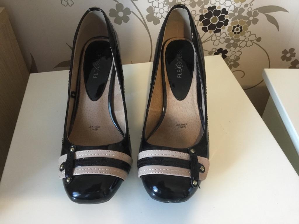 1e3b5bd1321 Ladies court shoes 8