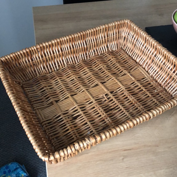 Low side basket