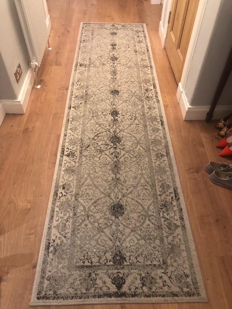 Traditional carpet hall runner
