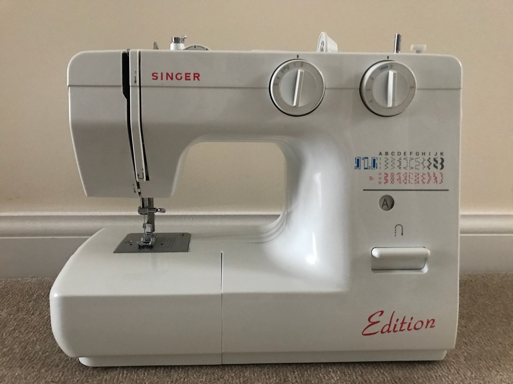 Singer Edition Sewing Machine with accessories