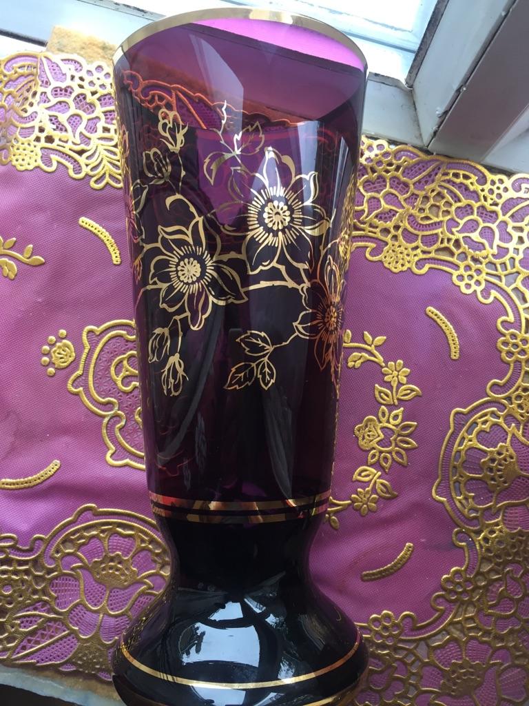 Glass flowers vase....