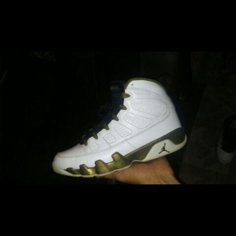 Gold Statue 9s