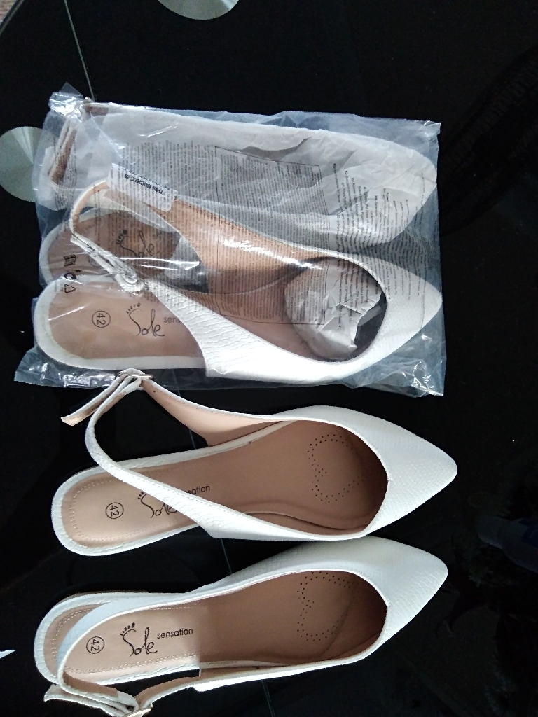 White (Avon.) sandals. Size 42 (8)