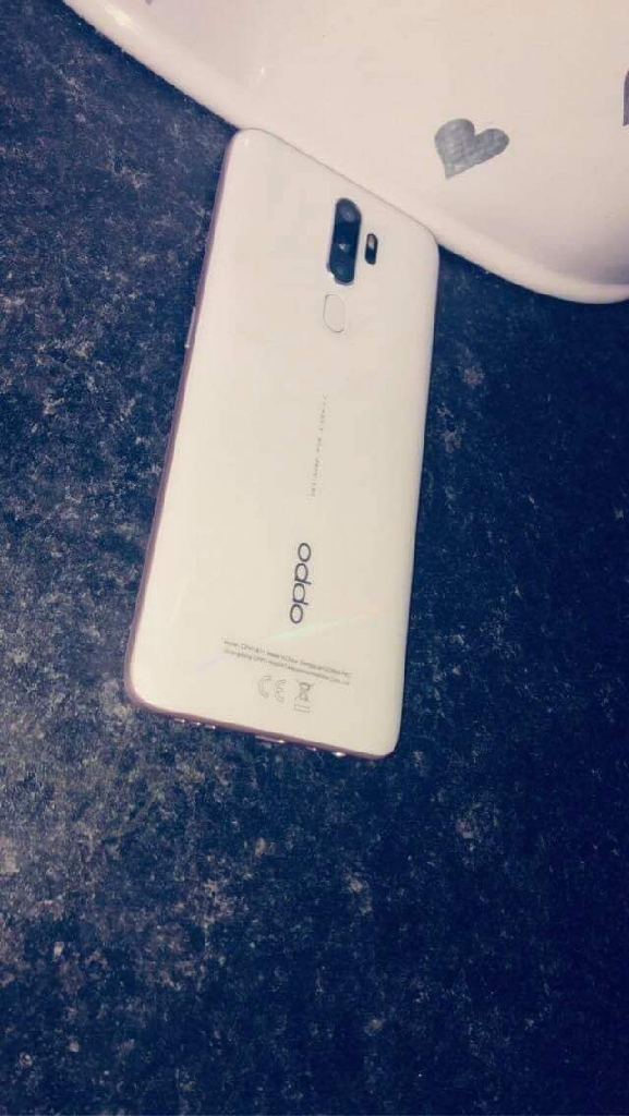 White Oppo A5 2020 128GB Like New Unlocked To Any Network Ring Or Text Me Anytime 07702050178
