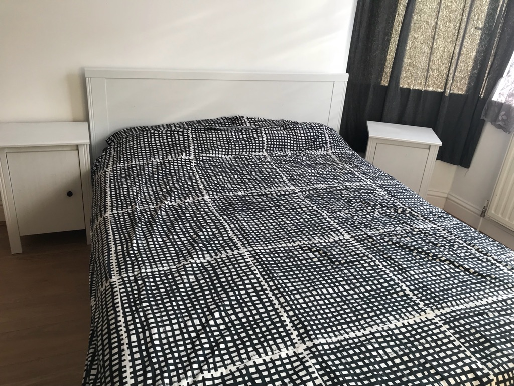 Kingsize bed, materace, 4 draw, 2 side table