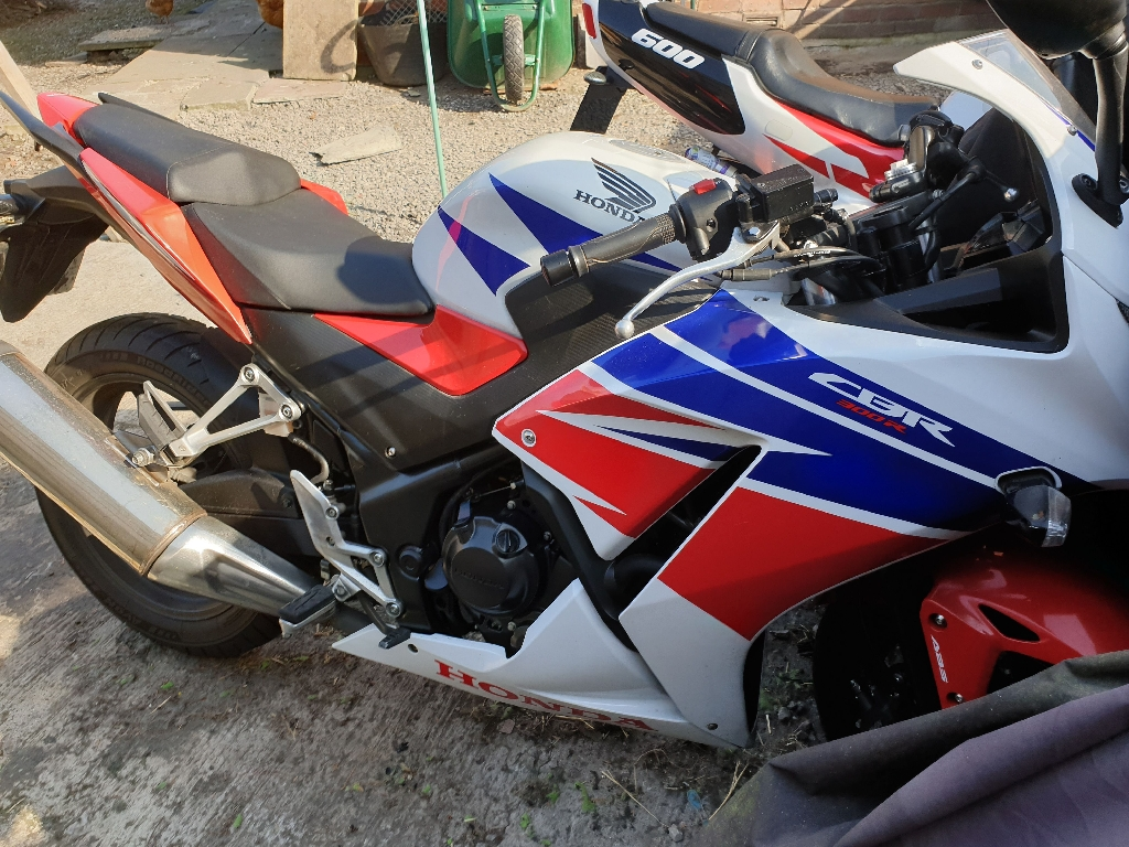 Honda CBR 300cc