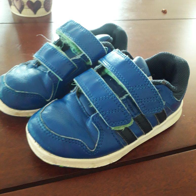 Boys infant addidas trainers