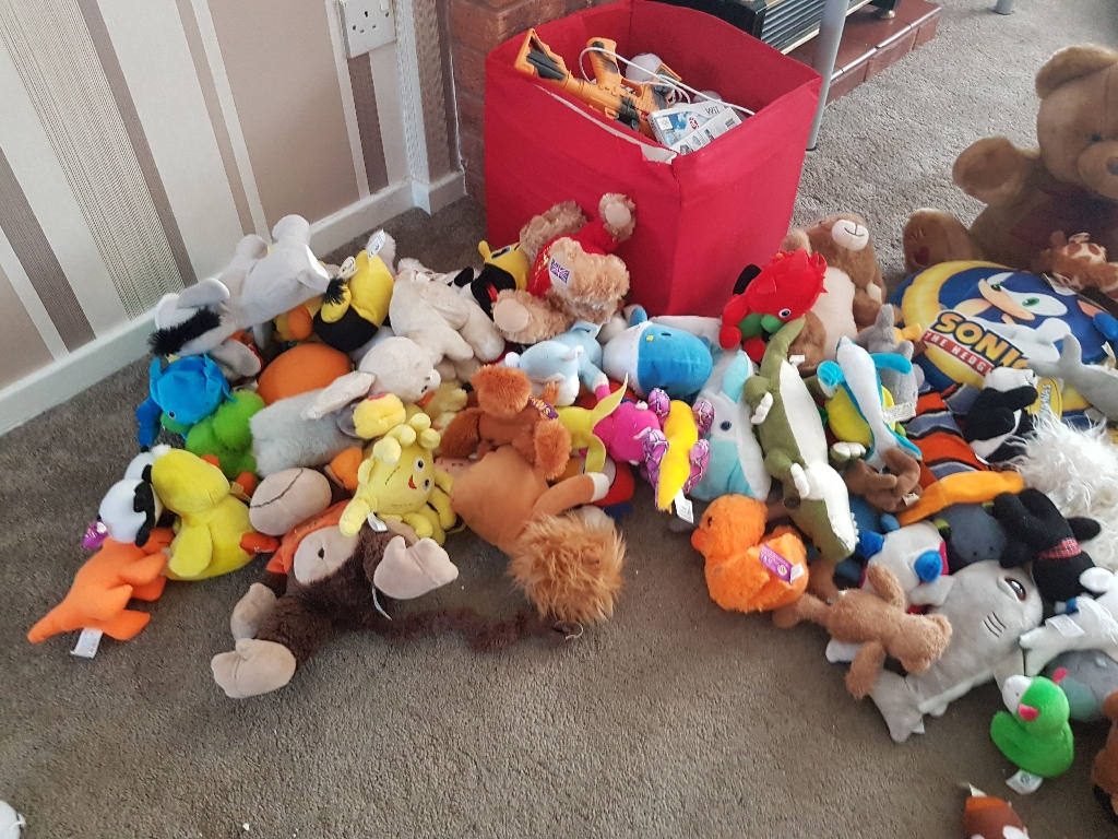 Approx 70 teddys perfect for carboot