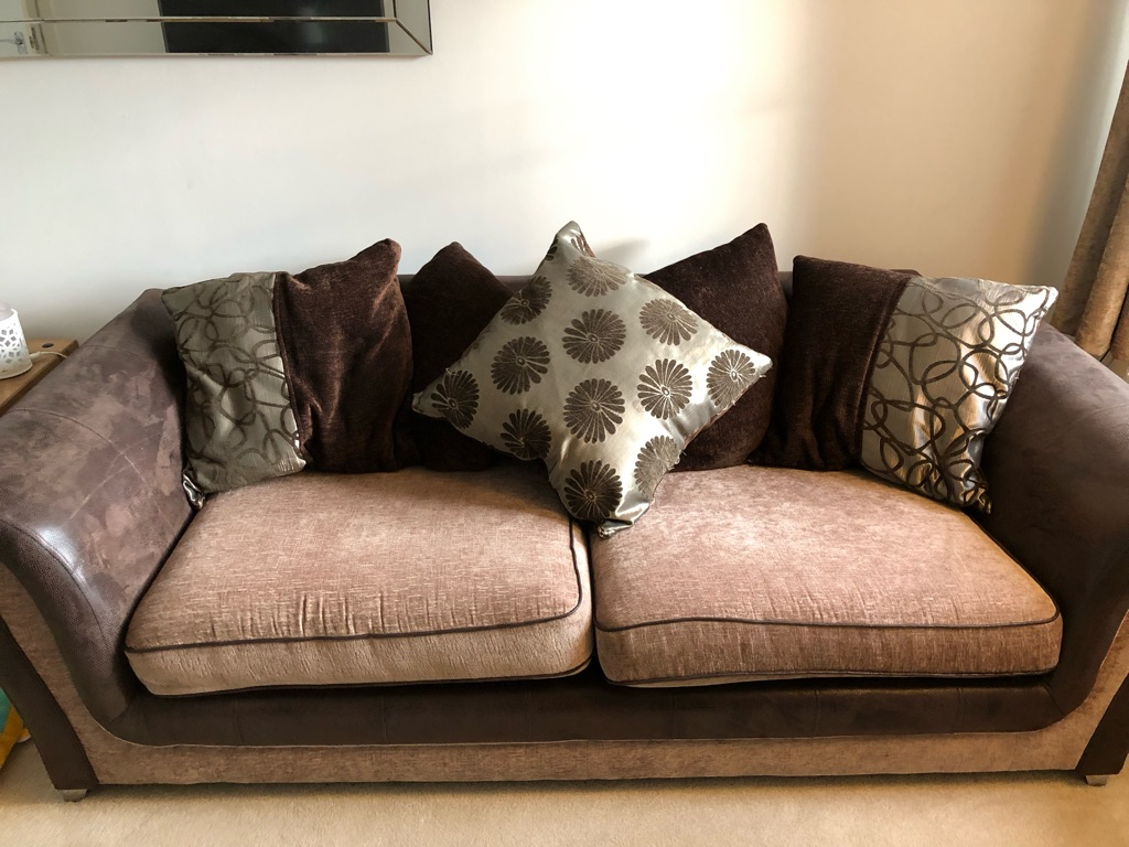 3 seater sofa with 2 seater cuddle chair