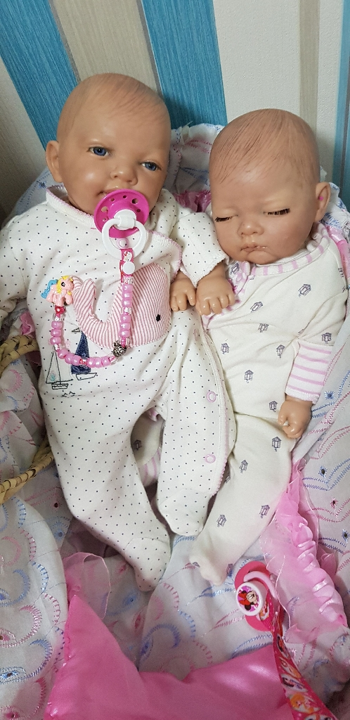 2 Reborn dolls