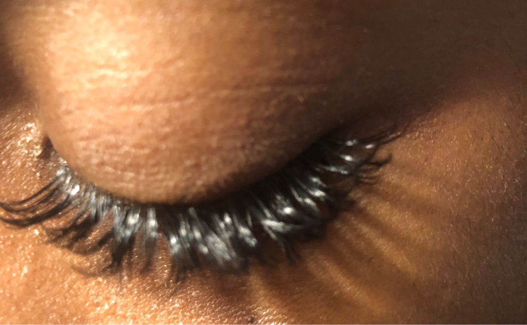 £25 Eyelash extensions - Volume lashes