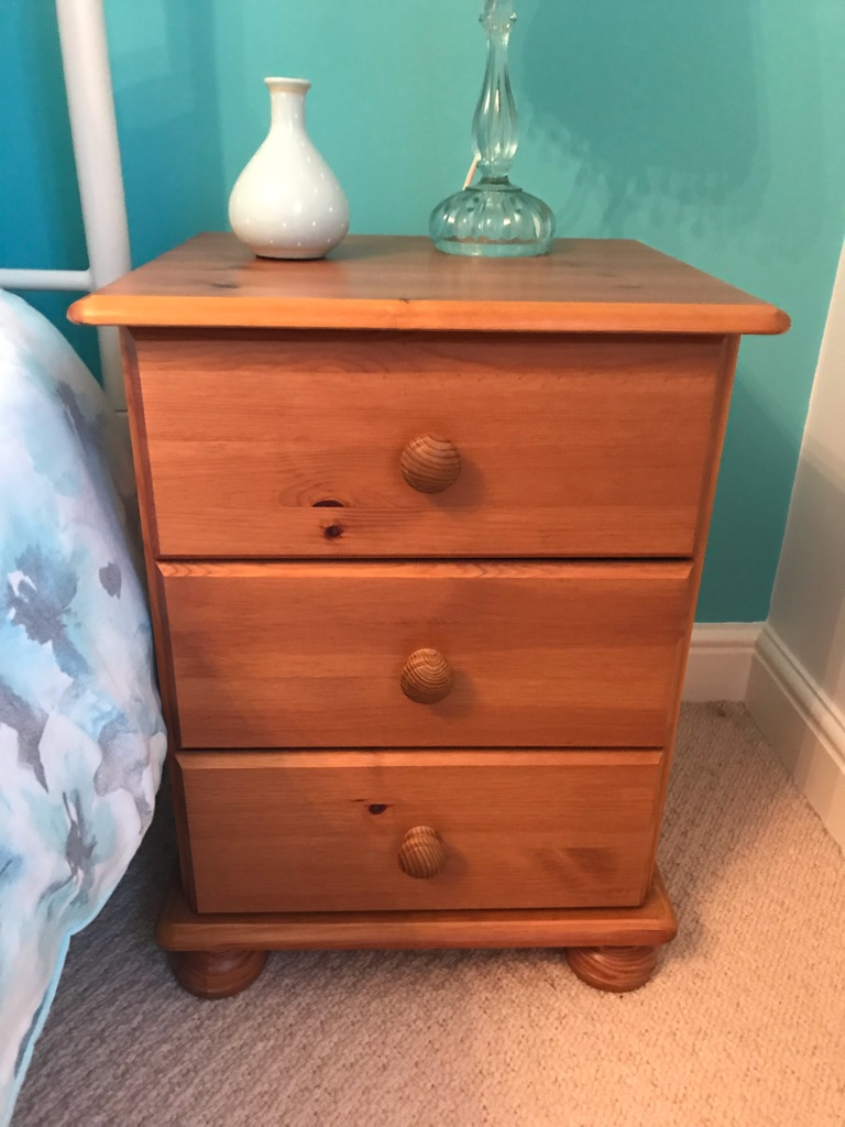 Set of 3 drawer bedside pine cabinets