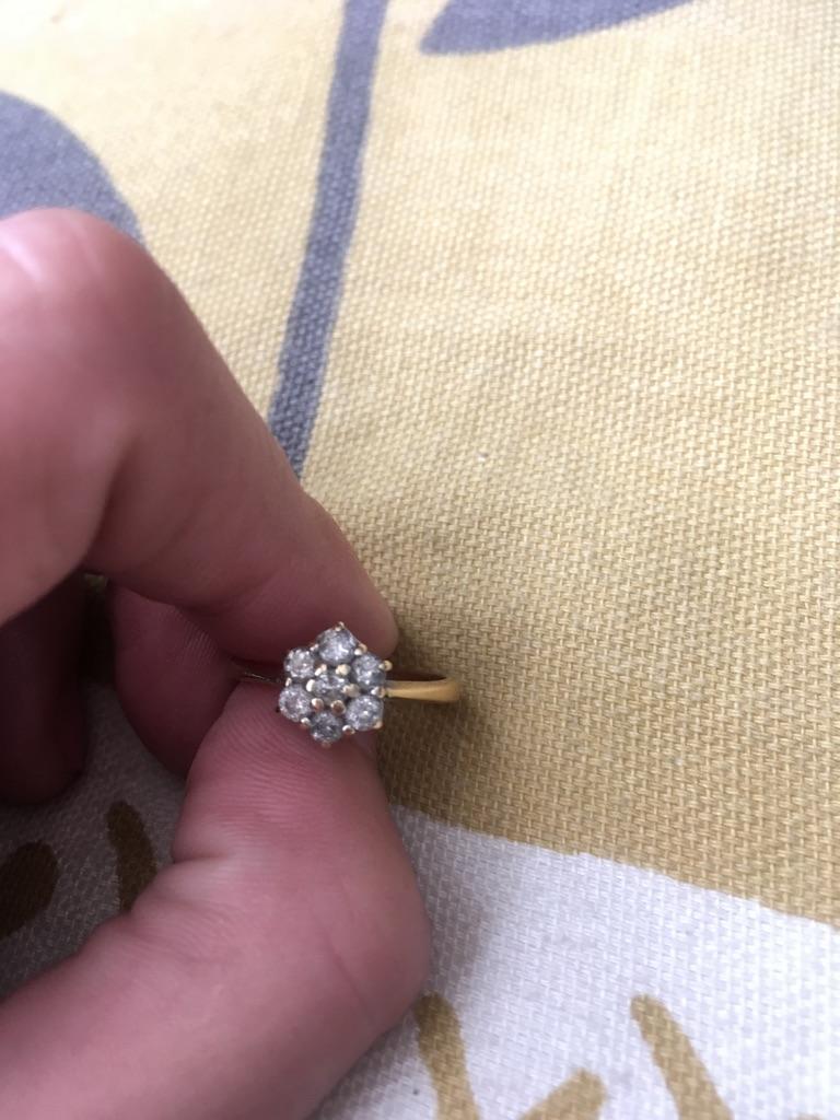 18 carat gold engagement ring