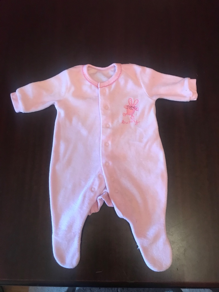 A Lovely Bundle of Baby/ Girls Newborn Clothes 11 items in total