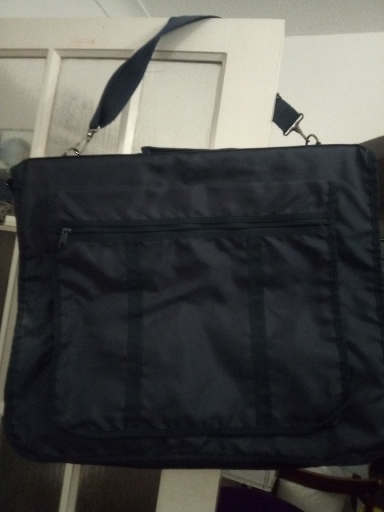 City Travel zip up suit / dress bag