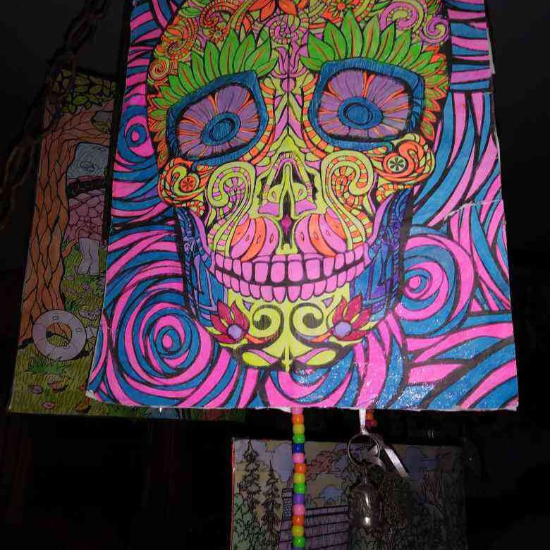 Glow skull picture