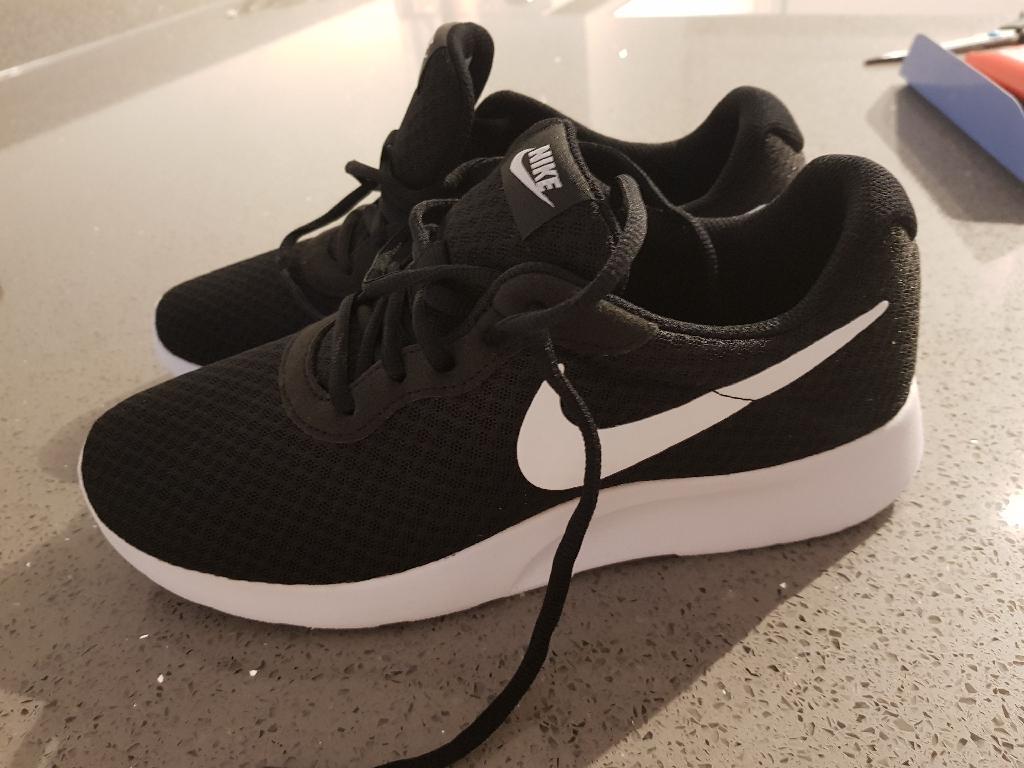 Nike trainers 6.5