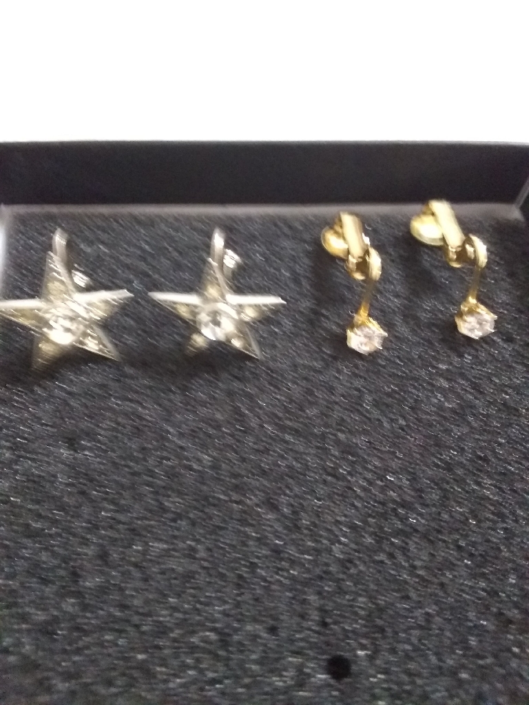 2 sets of gorgeous clip on earrings