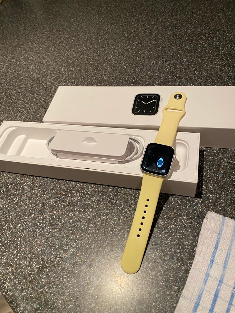 Apple Watch series 5 gps