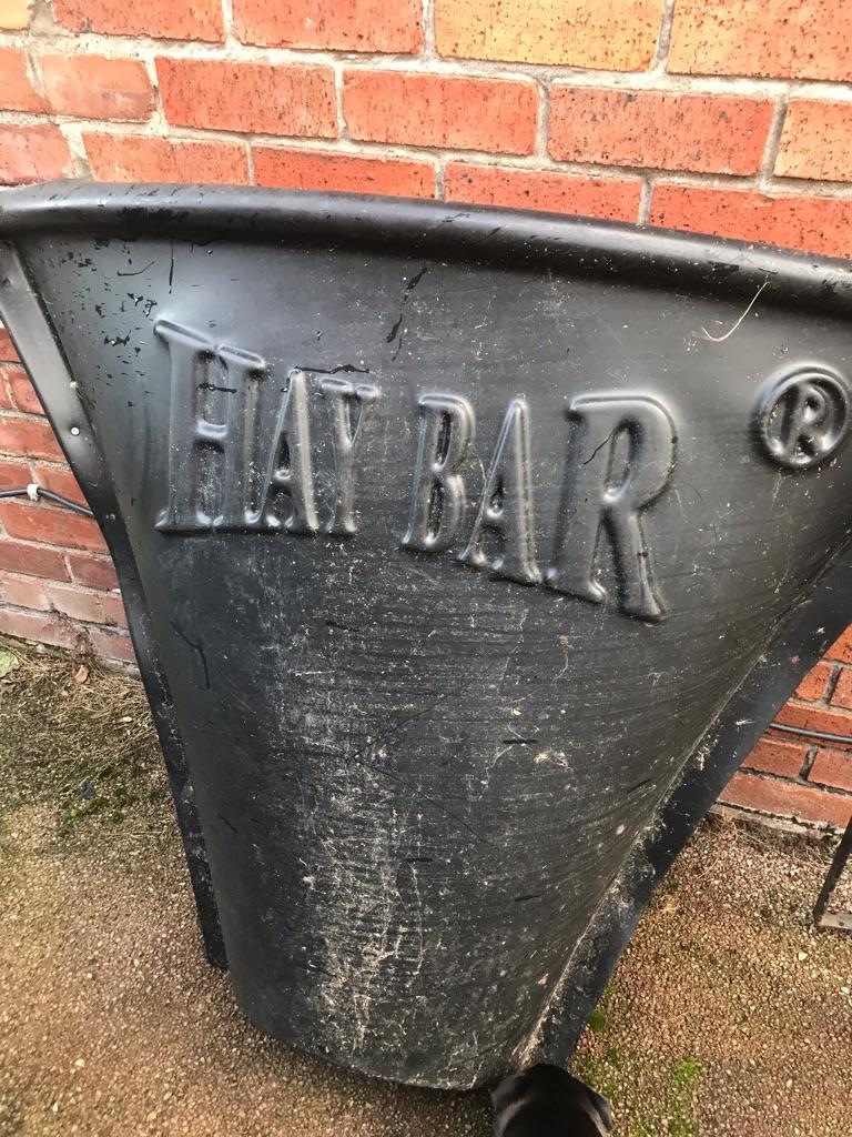Hay bar