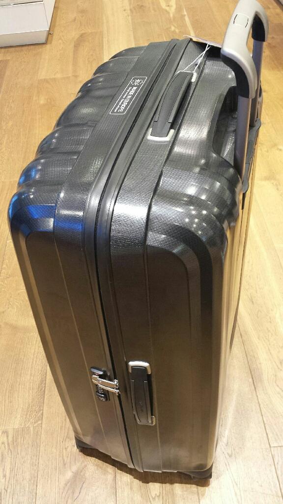 New XL Samsonite Spinner Suitcase