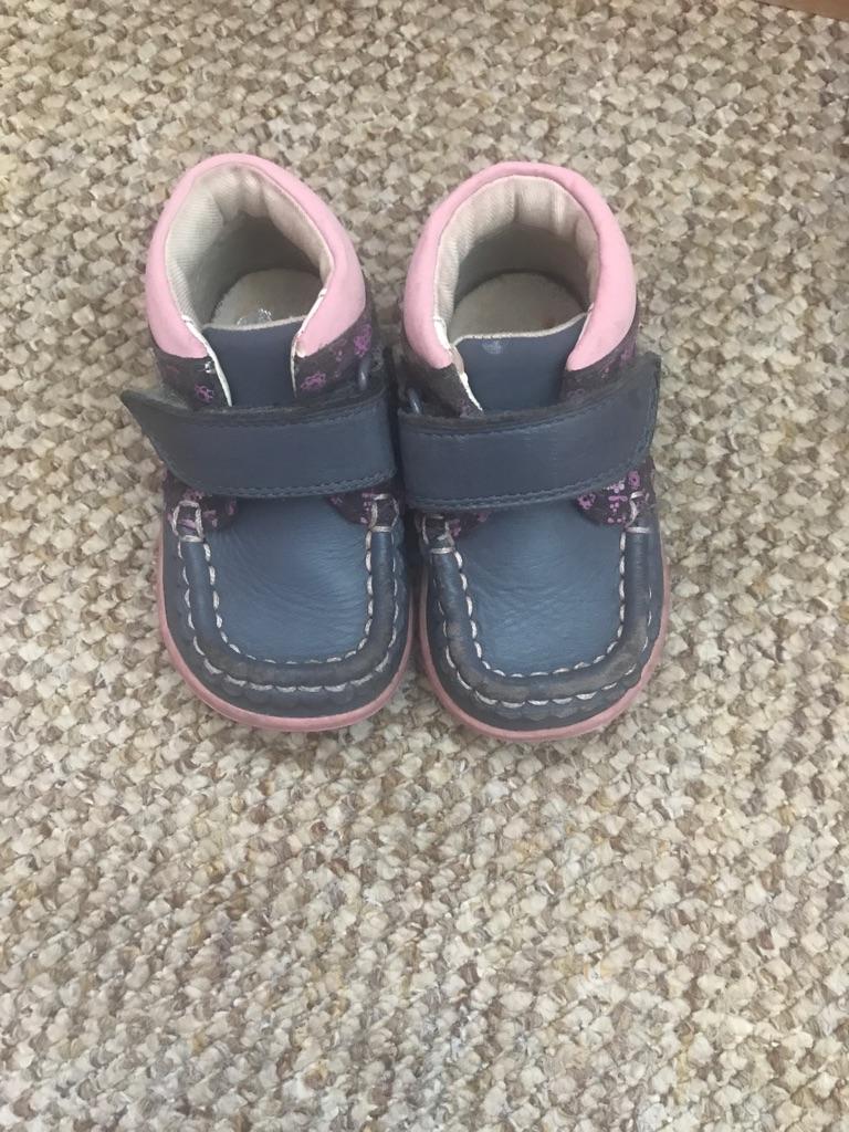 clarks infant shoes 3.5