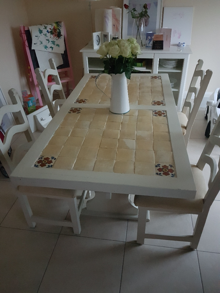 Table with 4 Chairs