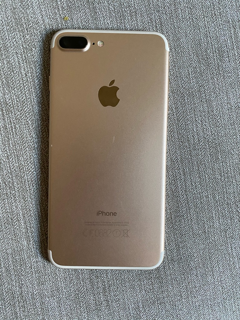 iPhone 7 Plus 128gb GOLD unlocked mint condition