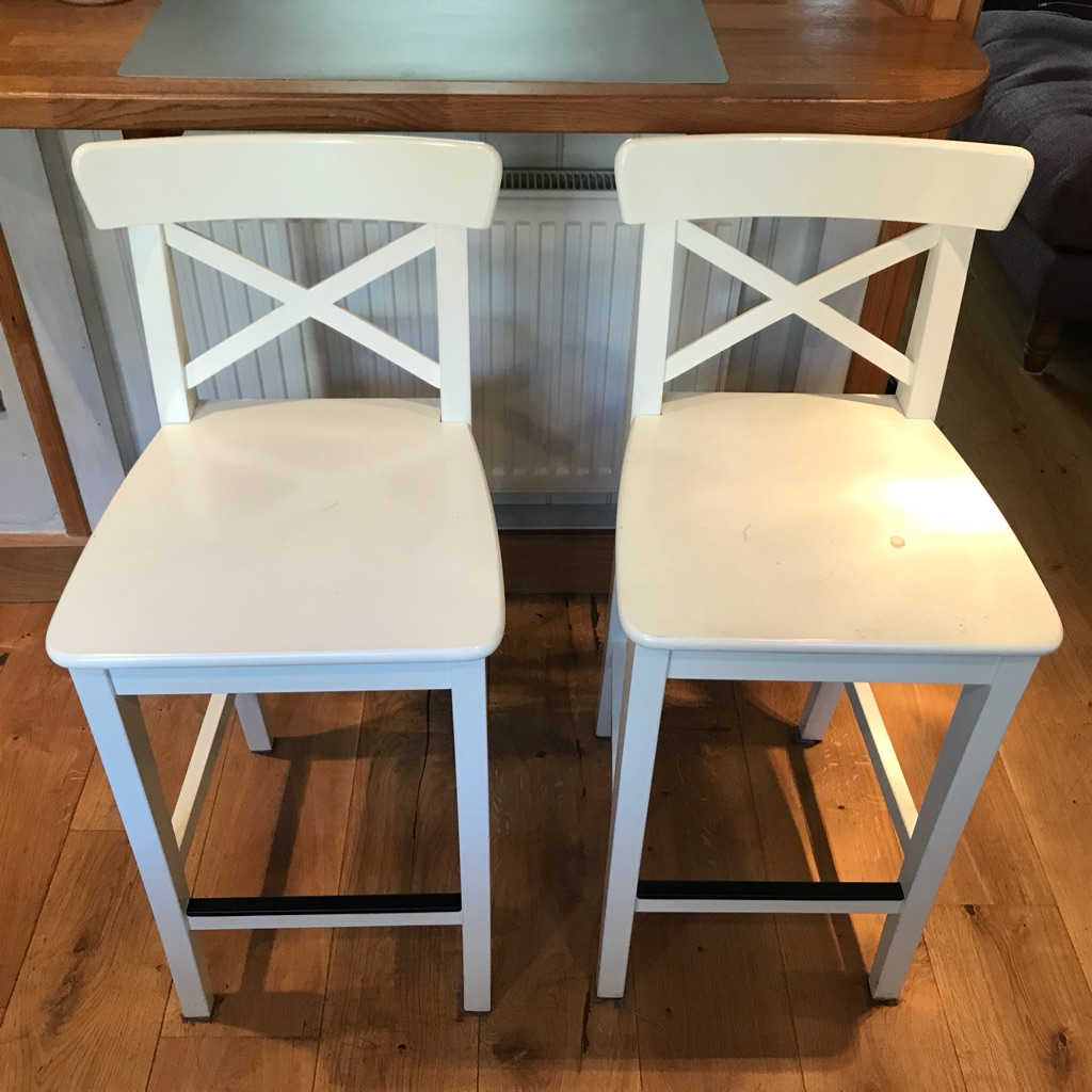 White high chairs for breakfast bars