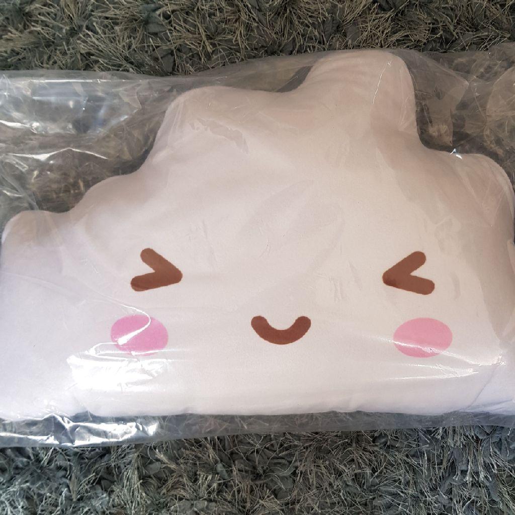 Brand new kawaii cloud cushion