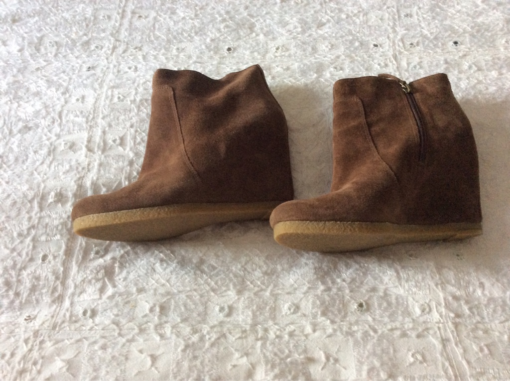 Suede wedge ankle boots in excellent condition