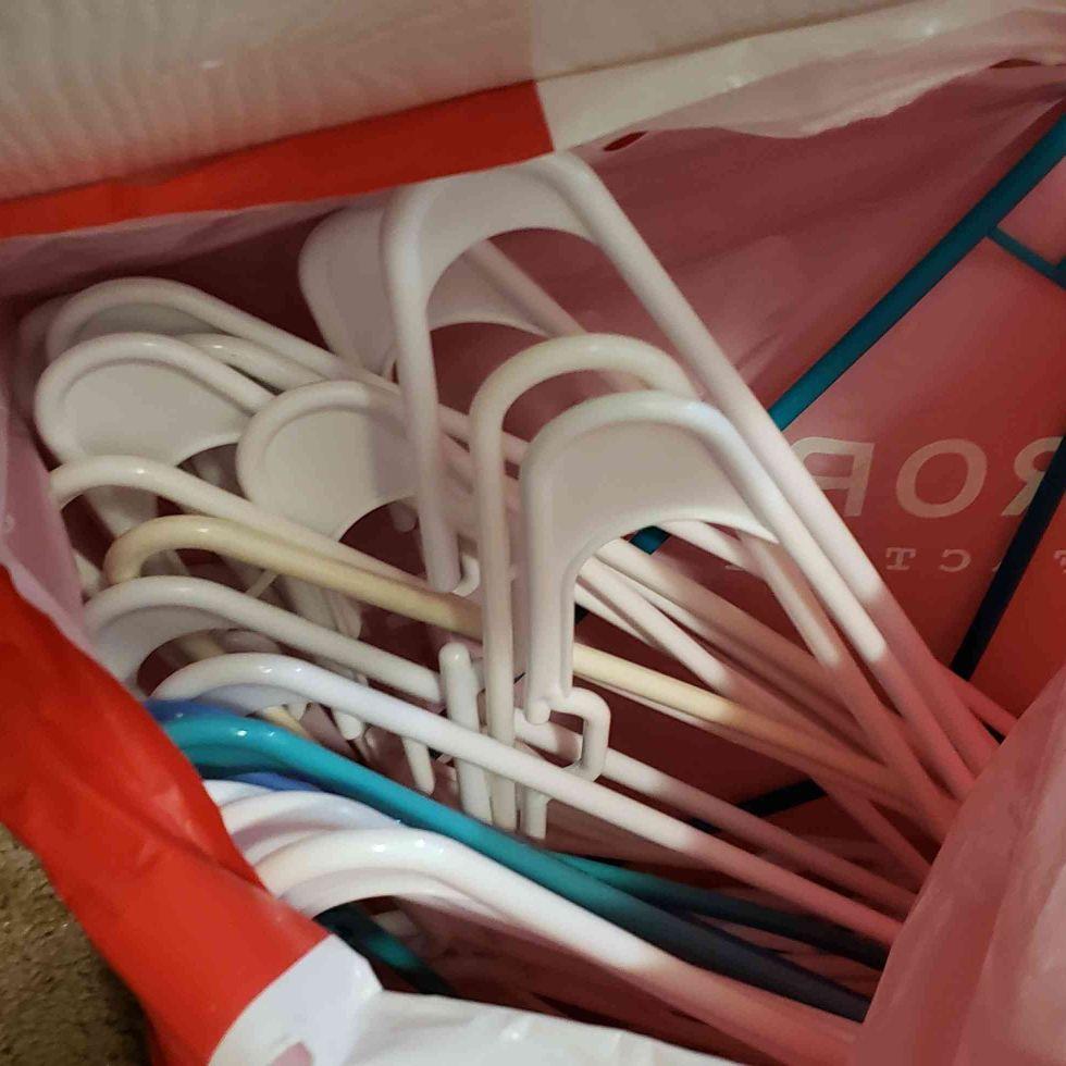 Hangers 25 approx