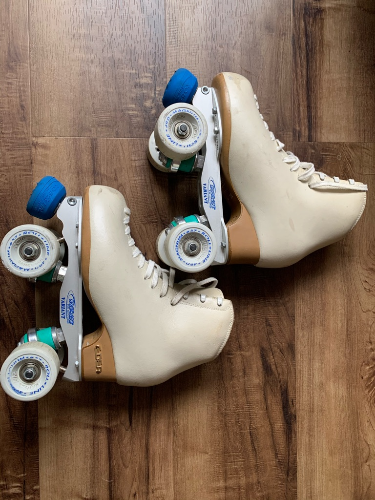 Edan Variat roller skating boots