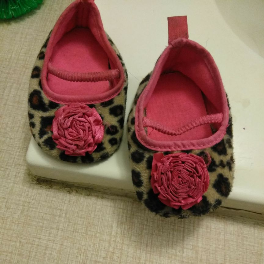 Slippers one size