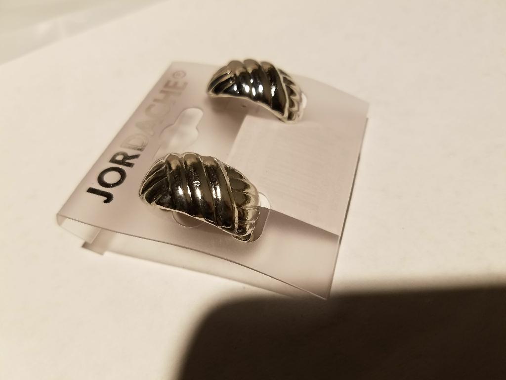 New criss cross etching earrings
