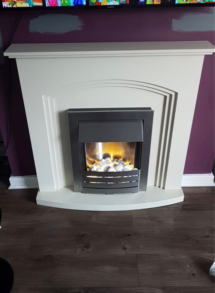 Fire place with electric insert